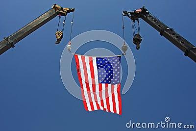 Bandiera americana sulla gru