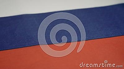 bandiera della Federazione russa di tre strisce orizzontali uguali stock footage