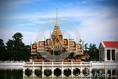 Bang-Pa-In palace