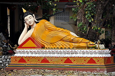 Bang Saen, Thailand: Reclining Kuan-Yin Buddha