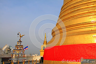 Bangkok Golden Mountain Temple And Thailand Flag