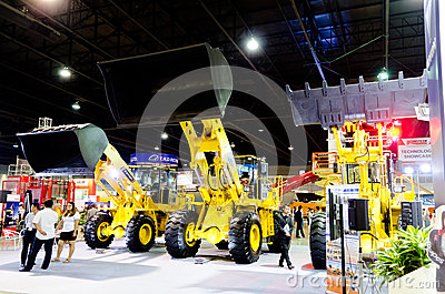 BANGKOK - September 21 :FOTON LOVOL FL936F-II  Front loader on d Editorial Photography