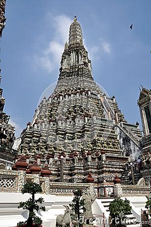Bangkok, Tailandia: Wat Arun, templo del amanecer Imagen de archivo editorial