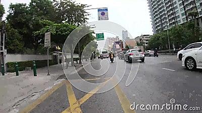 Bangkok, Tajlandia - November28 2018: Jedzie miastowy samochodowego czasu upływ wiele zbiory wideo