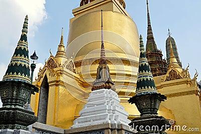 Bangkok, Thailand: Chedis at Wat Phra Kaeo