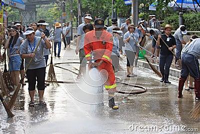 BANGKOK THAILAND - NOV21 : Unidentified people go to Phaholyothi Editorial Image