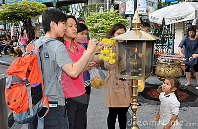 Bangkok, Thailand: People Lighting Incense Editorial Image