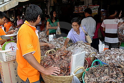 Bangkok, Thailand: Tha Tien Fish Market Editorial Photo