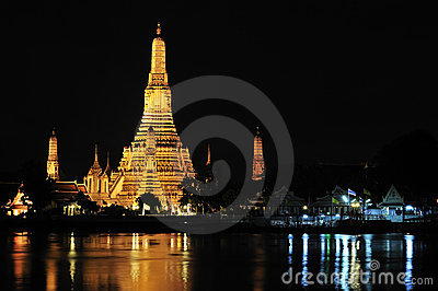 Bangkok, Wat Arun at night