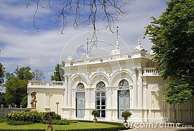 Bangpa-in palace
