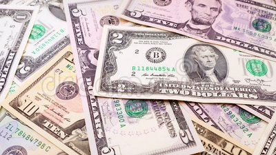 Bankbiljetten in benamingen van één tot tien dollarsclose-up van de V.S. stock footage