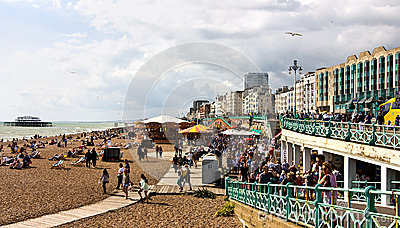 Bankfridag i Brighton Redaktionell Foto