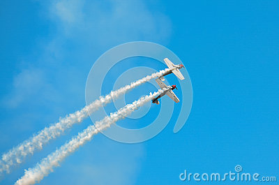 Banking Stunt Planes