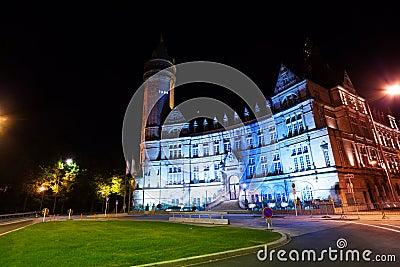 Banque et Caisse d Epargne de l Etat at night