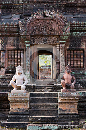 Free Banteay Srei Doorway Royalty Free Stock Photos - 36878498