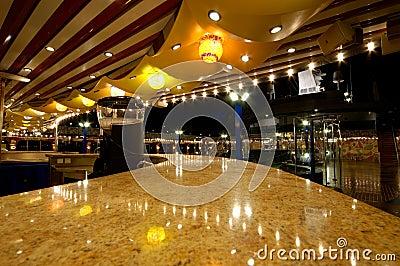 Bar de bateau de croisière
