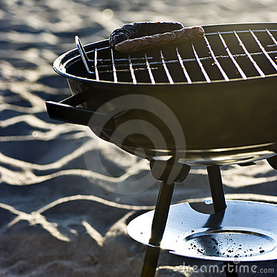 Free Barbecue On Beach Royalty Free Stock Image - 5139236