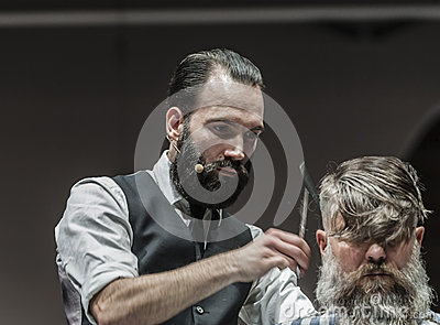 THE BARBER SHOW COSMOBELLEZA 2014 Editorial Stock Image