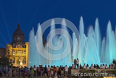 Barcelona - springbrunnar - Spanien Redaktionell Foto