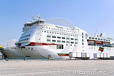 Barco de cruceros