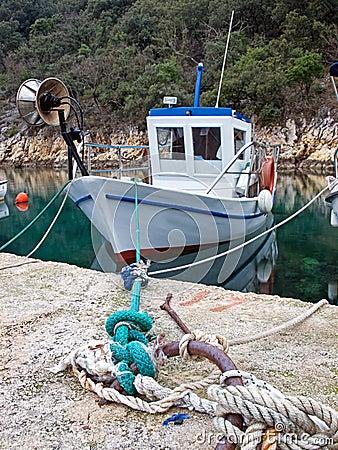 Barco de pesca velho