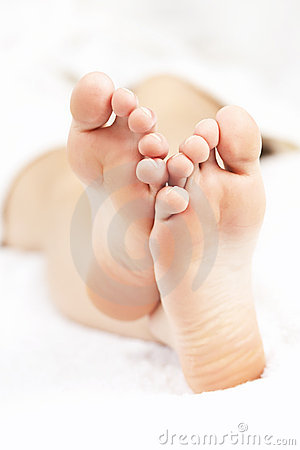 Free Bare Relaxed Feet Stock Image - 21381901