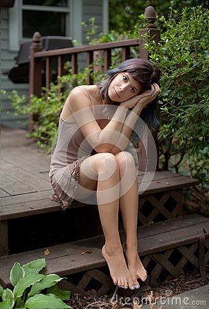 Free Barefoot Woman On Porch Stock Photography - 75813162