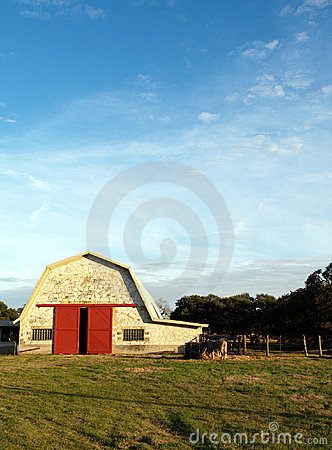 Free Barn And Blue Sky Stock Images - 717524