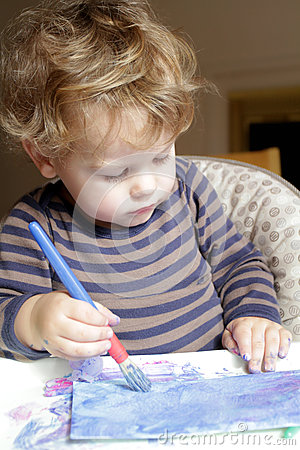 Barn dra konst för litet barn