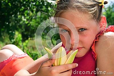 Barn för flickasorglilja