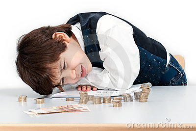 Barn som räknar pengar