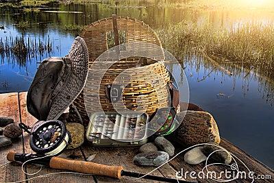 Barra fly-fishing tradicional en última hora de la tarde