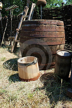 Barrel and cask
