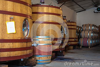 Barrel fermentation and ageing
