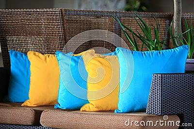 Barwione poduszki