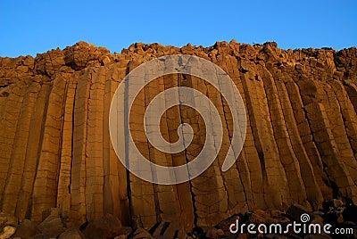 Basaltic wall