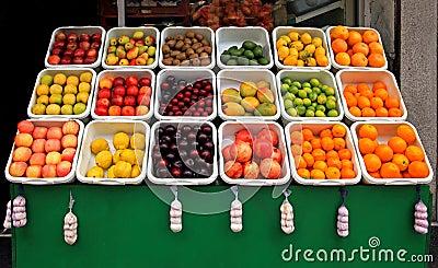 Basamento di frutta