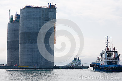 Base oil  platform and tugs