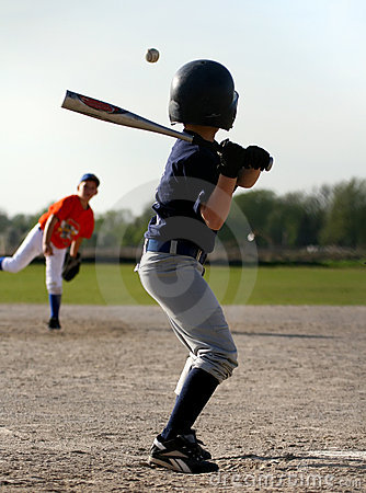 Free Baseball Batter And Pitcher Stock Image - 2713451