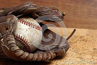 Baseball und Handschuh