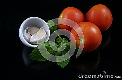 Basil, tomato, garlic 1