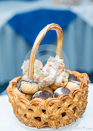 Basket with cake