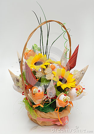 Basket with Handmade Flowers for Gift