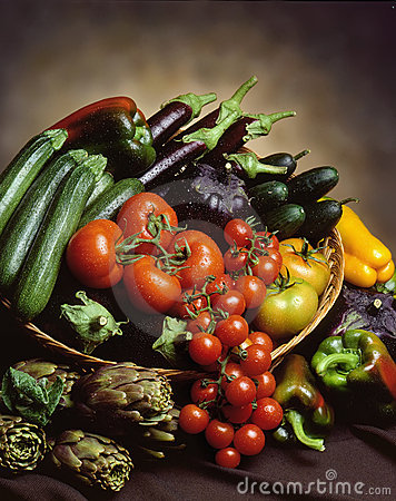 Free Basket Of Vegetables Royalty Free Stock Images - 11170349