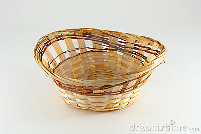 Basket wattled