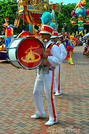 Bass drum player at disneyland Editorial Photography