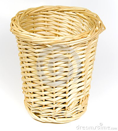 Bast basket for various trifles