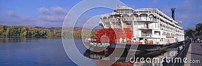 bateau amricain de roue aubes de reine sur le fleuve mississippi le wisconsin photographie