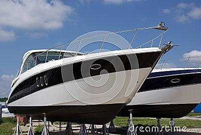bateaux de luxe vendre photographie stock image 14439462. Black Bedroom Furniture Sets. Home Design Ideas