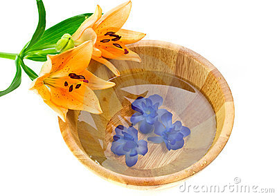 Bath bowl with lily flower
